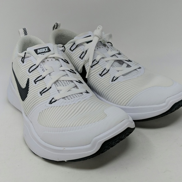 arrendamiento Flotar Subvención  Nike Shoes | Flywire Training Nwot | Poshmark